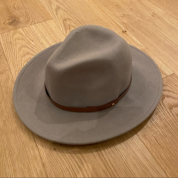 Free People 100% Wool Wide Brim Hat in Taupe color with Tan Band